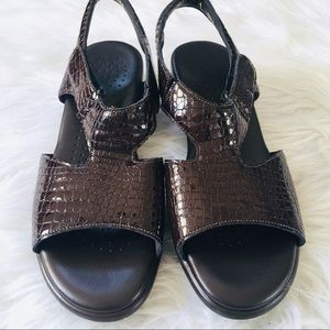SAS Suntimer Brown Snakeskin Comfort Sandals